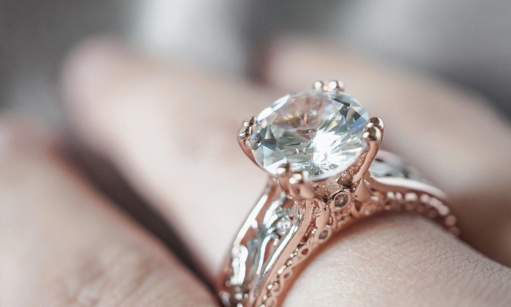 Read more about the article המדריך לרכישת יהלומים בחיתוך אובל